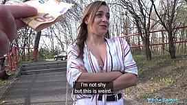 Public Agent Josephine Jackson exposes her big boobs and fucks