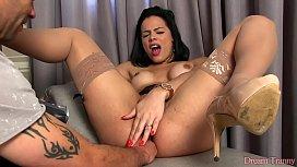 Shemale Bruna Castro gets...