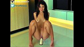 Twerk and bouncing nude...