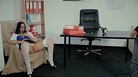 Educaca oSexualEmPortugal TrailerPLC...