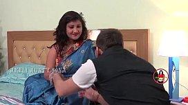 Indian bitch Arti enjoying...