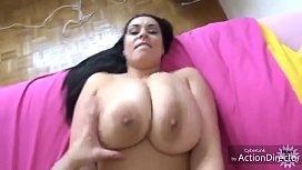 Big Tits Bouncing...