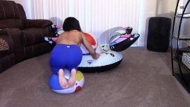Alexis Rain grinding till Orgasm