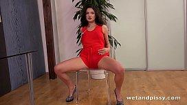 Sexy Girl Peeing - Francesca...