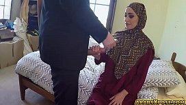 Beautiful Arab slut fucks for some money redtuube