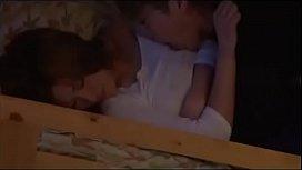 二段ベッドの下段で彼氏とセックスするお姉ちゃんの喘ぎ声を聞きながらオナニーする妹w