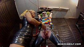 Kinky Norwegian MonicaMilf is peggin ...