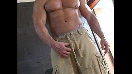 Perfect Musclestud Jacks Off...