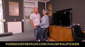 HAUSFRAU FICKEN - Chubby German...