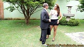 Brasileira seduz corretor safadao...