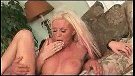 Big boob Kelly Taylor orgasms loudly ...