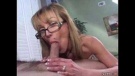 Mature gives a blowjob...
