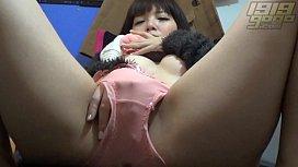 Pretty Asian Girl'_s Stripshow