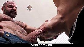 FamilyDick - Muscle bear daddy...