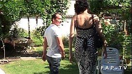 Amatrice francaise se fait demonter le cul dans la jardin apres une bonne pipe xxxn sex