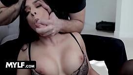 Sheena Ryder gets her...