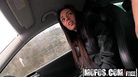 Mofos - Stranded Teens - Gina...