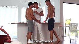 HD GayRoom - Threesome with...