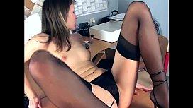 Office babe fingering in...