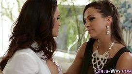Glam babe lesbian 3way...