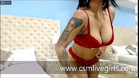 Latina AnnieCooperr haciendo rebotar mi culo