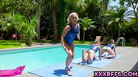 Gymansdick training with three cute teens