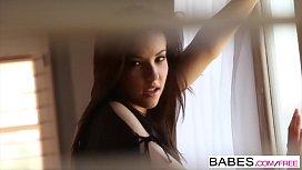 Babes - Elizabeth Marx - Breathtaking...