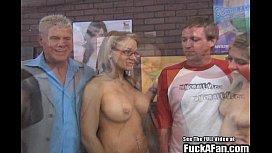 Petite blonde pornstar Lia...