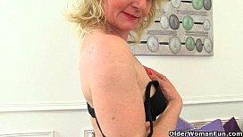 British milfs Diana and...