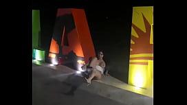 Latina hace Squird en Publico en La Paz