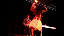 Miss Tiare - Lesbian show...