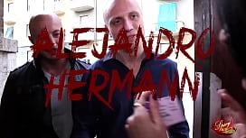 Una Troia Patentata - Capitano Eric e Alejandro Herman trovano una patente e la restituiscono alla proprietaria che gentilmente ringrazia