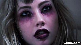 Hell yeah! Goth teen...