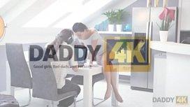 DADDY4K. Tu pr&eacute_f&egrave_res l&rsquo_ordinateur ou ta copine? Et elle?