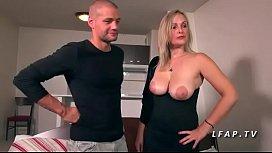 Jolie maman francaise cougar aux gros seins a le cul defonceme une chienne familyfap.com