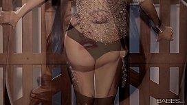 Sunny Leone - solo masturbation...