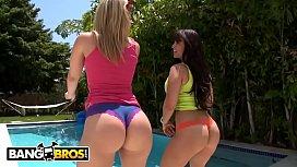 BANGBROS - PAWG Babes Alexis...