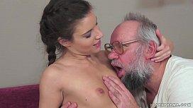 Anita Bellini Loves Old...