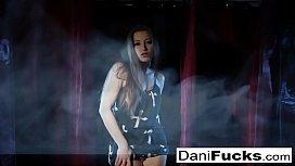 Sexy Gothic Vampire Dani...