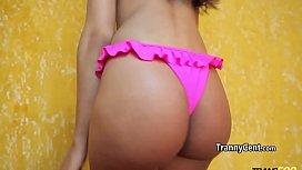 Brazilian tgirl beauty wanks...