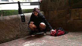 Teen Zarina Massouds Indian exhibiti ...