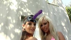Lesbian babes sextoys...