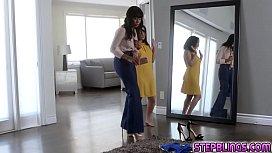 Jenna Foxx munching Juan...