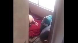 Femme se faisant espionner pendant qu&#039_elle se masrurbe