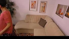 HAUSFRAU FICKEN - Housewife gives...