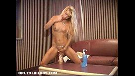 Amateur petite Quebec blonde...