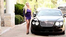 xoGisele - A Hot Bentley Babe