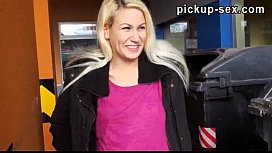 Amateur blonde chick Yenna screwed u ...