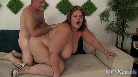 Huge fat ass gets herself fucked ponhib