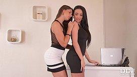 Glamour Secretaries Anissa Kate...